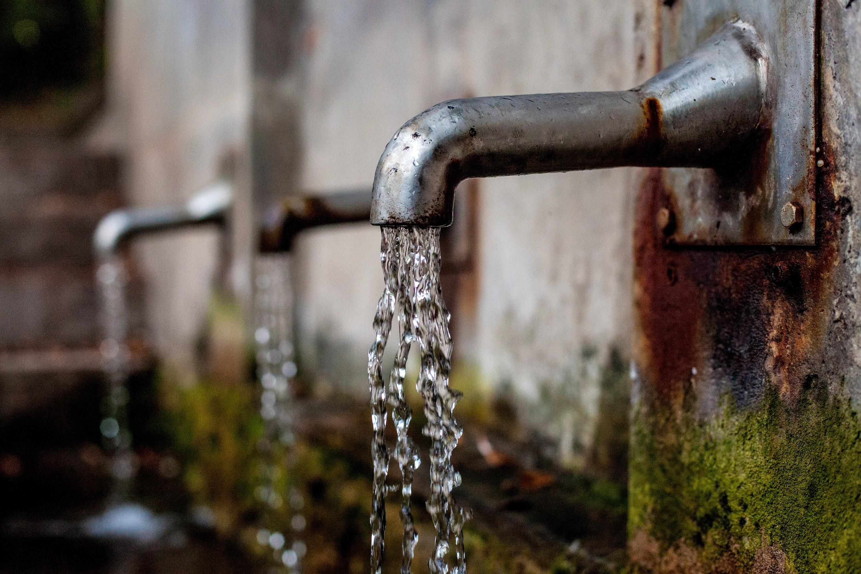 Eau en bouteille vs eau du robinet, quelle purification choisir?
